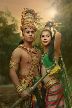 ลิลิตพระลอ by Suphalak Rueksanthitiwong / Thai Traditional Dress, Traditional Outfits, Asian Woman, Asian Girl, Thai Fashion, Thai Dress, Beauty Full Girl, Indian Beauty, Indian Actresses