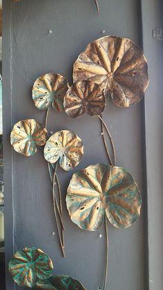 Lotus leaf stalks are split size pieces. Size ᴓ25 cm to ᴓ80 cm