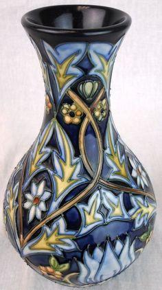 "Beautiful Moorcroft 8"" Vase"