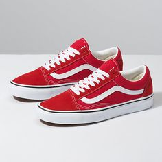 🔥 vans old skool red perfect pet smoke free home Vans Shoes Sneakers Lace Up Shoes, Me Too Shoes, Vans Store, Dream Shoes, Skate Shoes, Van Shoes, Vans Old Skool, Vans Classic, Shoe Shop