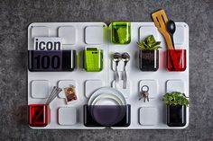 Store everyday Items with «U.tile» magnetic wall organizer from Seoul-based design studio Pablolab.