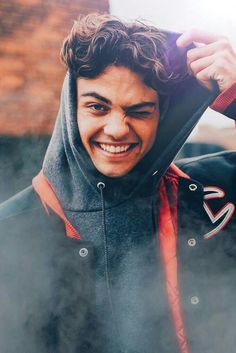 Noah Centineo everyone!🔥 - Noah Centineo everyone!🔥 Noah Centineo everyone! Beautiful Boys, Pretty Boys, Ladybug And Cat Noir, Lara Jean, Celebs, Celebrities, Hot Boys, Handsome Boys, Celebrity Crush