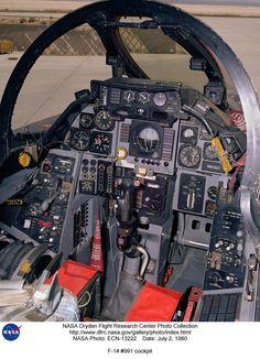 F-14 Tomcat cockpit