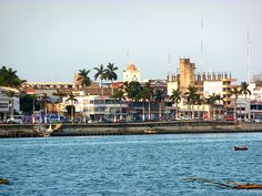 I so remember back in the late 70s hen we would stroll down this port.  Tuxpan Veracruz <3 =)