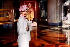 topkapi-1964-001-melina-mercouri-inside-museum-gallery.jpg (1000×678)