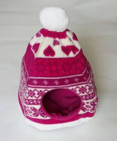 Pink winter hat hedgehog house bed small animal guinea pig