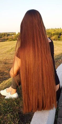 When you care for your hair your whole life changes. Good hair tells other people that you are put together. Few people can resist or deny the appeal of a Really Long Hair, Long Red Hair, Grow Long Hair, Super Long Hair, Grow Hair, Silky Smooth Hair, Beautiful Red Hair, Auburn Hair, Ginger Hair