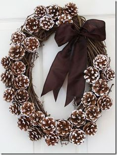 Oval Pinecone wreath  Instructions at -   http://blog.welovewreaths.com/2012/09/17/how-to-natural-wonder-white-tip-pinecone-fall-wreath/