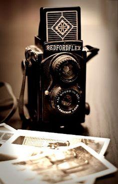 Bedfordflex Camera. Twin lens reflex!
