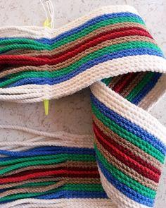 Yapılışı birazdan 🙋💙💜 ➡fertur5 sevgili Armağan hn. için dokuyorum… Tapestry Bag, Tapestry Crochet, Crochet Cow, Rainbow Crochet, Macrame Bag, Crochet Handbags, Crochet Blouse, Knitted Bags, Handmade Bags
