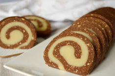 Citromhab: Marcipános keksztekercs Doughnut, Sweet Treats, Meat, Food, Sweets, Candy, Essen, Meals, Yemek