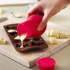 Chocolate Melting Pot - controlled pouring without the mess #chocolate