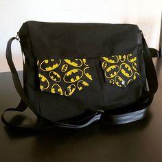 MadameKR sur Instagram: Pour mon geek de mari, une #besacezipzip de @patrons_sacotin en taille Large pour transporter son ordi portable et les trucs qui vont avec.…