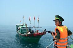Tàu cá Trung Quốc vi phạm lãnh hải Việt Nam - http://www.daikynguyenvn.com/viet-nam/tau-ca-trung-quoc-vi-pham-lanh-hai-viet-nam.html