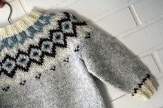 Frost, et lille bump på vejen af Slagt en hellig ko Knitting For Kids, Baby Knitting, Fair Isles, Knitting Designs, Frost, Men Sweater, Sewing, Crochet, Jumpers