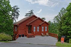 Gatlinburg cabins are nestled admist the beautiful Smoky Mountains. Gatlinburg cabins have all the amenities of home. Gatlinburg Cabins, My Dream, To Go, Adventure, Mountains, House Styles, Places, Pigeon Forge, Bergen