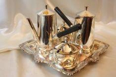 Antiche cioccolatiere, trembleuse, servizi da cioccolata ed accessori – Museo del Cioccolato