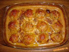 do mletého mäsa primiešame prísady, urobíme guľky a poukladáme na olivovým olejom pokvapkanú zapekac...