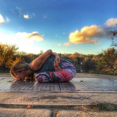 If it cost you your peace, it's too expensive. #YogaDemocracy Pictured: Stunning capture by @lightfulyogini wearing the Desert Warrior Yoga Leggings *At the end of every month we'll be choosing our favorite free range human. Use #yogademocracy on Instagram for a chance to be featured in your YD gear and win a $50 e-gift card at yogademocracy.com⠀ ⠀ ⠀ ⠀ ⠀ #thursday #thursdaythoughts #thursdaymood #thursdayvibes #tbt #throwback #yoga #yogapose #outdooryoga #leggings #yogapants #yogaeverywhere…