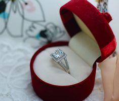 Antique Art Deco Jewellery Ring White Stone Sapphires Vintage Jewellry