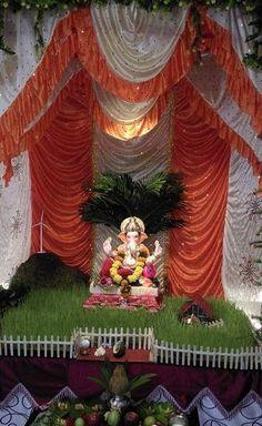 Ganpati decoration makhar ganapati deity decoration for Room decor ulhasnagar
