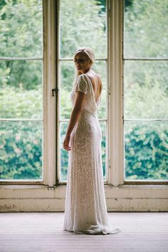 Bride wears a beaded Eliza Jane Howell gown | | Photography by http://www.paulsantosphotography.com/