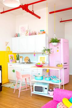 Take a look at this crucial image and also take a look at the provided important info on Tiny Kitchen Renovation Diy Interior, Interior Design Kitchen, Interior Decorating, Decorating Ideas, Pink Smeg Fridge, Small Space Kitchen, Small Spaces, Küchen Design, Design Ideas