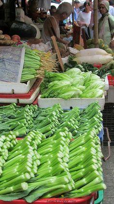Adventuring through the Hong Kong Wet Markets with BAM from @bamskitchen - www.shenannagans.com