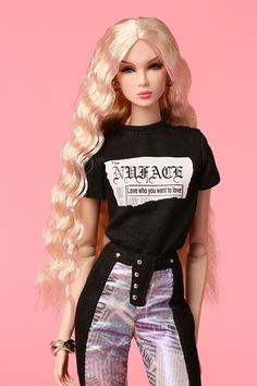 All things related to fashion dolls and their world. Barbie Gowns, Barbie Dress, Barbie Outfits, Barbie Model, Barbie And Ken, Pretty Dolls, Beautiful Dolls, Fashion Dolls, Fashion Dresses
