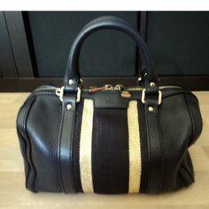 Tip: Gucci Handbag (Midnight Blue)