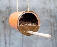 Voederhuisje voor vogels / DIY / in de tuin Bird Boxes, Winter Colors, Exterior Design, Cool Kids, Diys, Blog, Feeding Birds, School, Birdhouses