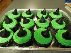Wizard of Oz Cake and cupcakes, Wicked Witch of the West