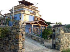 Vista General de Los Cuatro Vientos, desde carretera de acceso a las casas.  www.loscuatrovientos.com
