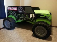 handcrafted wooden truck n car childrens beds - Yahoo Image Search Results Digger Bedroom, Monster Truck Bedroom, Jeep Bed, Monster Trucks, Monster Jam, Truck Room, Childrens Beds, Bed Plans, Baby Boy Rooms