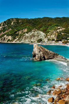 ✯ Beach  At Monterosso Al Mare - Italy