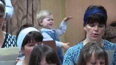 Una linda y  apasionada niña llamada Lara, dirige un coro en una iglesia en Kirguistán y deja su pequeño corazón en ello.