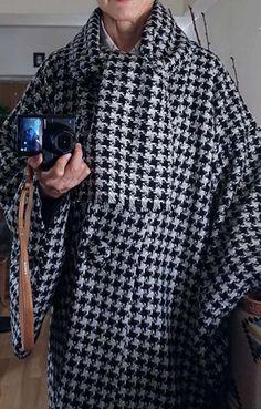 ■厳寒期に着たい「あったかウールの和装コート」」を考案しました | あつみの 手作り普段着物と日々の生活と Shirt Dress, Blouse, Men Sweater, Costumes, Sewing, Sweaters, Mens Tops, Handmade, Shirts