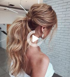 No fuss updo! No need to go all out date night and do some crazy-complicated hairstyle. these gorgeous ponytail hairstyles are also perfect for... #longhairstyles