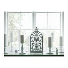GOTTGÖRA Laterne IKEA Der warme Schein der Kerzenflamme schimmert dekorativ durch das Dekor der Laterne. Für drinnen und draußen geeignet.