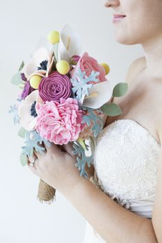 SomethingTurquoise-DIY-felt-wedding-bouquet_0021