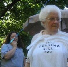 "Explore the latest funniest collection of Old People Wearing Funny T-Shirts"". These are the funniest old people who wear something awkward will make you lol. Dankest Memes, Funny Memes, Hilarious, Funny Videos, Erich Von Stroheim, 10 Picture, Oui Oui, Reaction Pictures, Funny Pictures"