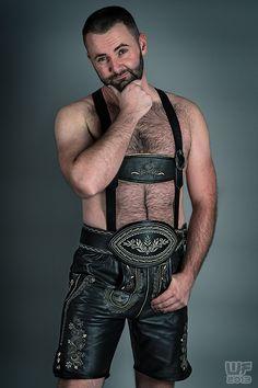 Leather Trousers, Leather Men, Muscle Boy, Beard Balm, Lederhosen, Hairy Chest, Men Looks, Sexy Men, Hot Guys