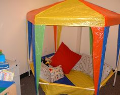 reading nook Clutter-Free Classroom: Carnival and Circus Themed Classrooms Circus Theme Classroom, Classroom Setup, Classroom Activities, Classroom Libraries, Classroom Organisation, Outdoor Classroom, Work Activities, Organization, Preschool Decor