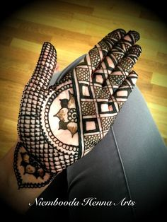 Out of the box mehndi / henna design