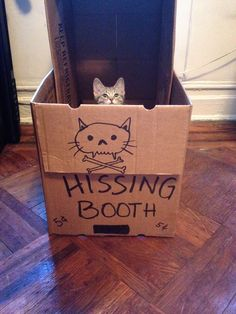Hissing booth ^^