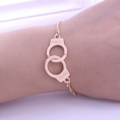 2016 New Arrival Trade 2 Colors Trends Handcuffs Bracelets For Women Fashion Carved FREEDON Couples lock Bracelets