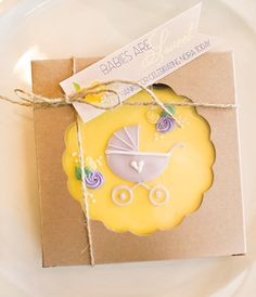 If you haven't gotten yourspringtime fix from the previous bridal shower post(we know we haven't), then you're in luck! As promised, here is the Lemon
