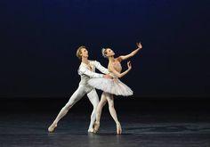 Olga Smirnova and Semyon Chudin, Diamonds Pas de Deux Photo: Marc Haegeman
