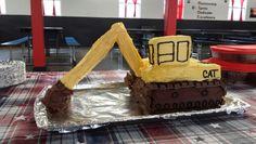 Backhoe/trackhoe cake 3rd Birthday, Birthday Party Themes, Bulldozer Cake, Construction Theme, Holiday Cakes, Babys, Desserts, Kids, Food