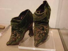 Ladies shoes, 18thC, Italy. Stibbert Museum - Florence